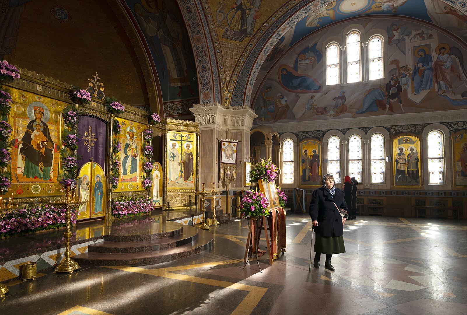 à l'intérieur de l'église Dieu Souveraine minsk