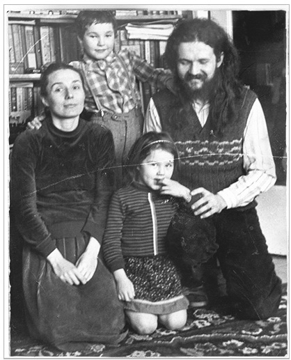 Spiritual Father of St. Elisabeth Convent Andrej  Andrei Lemeshonok with family